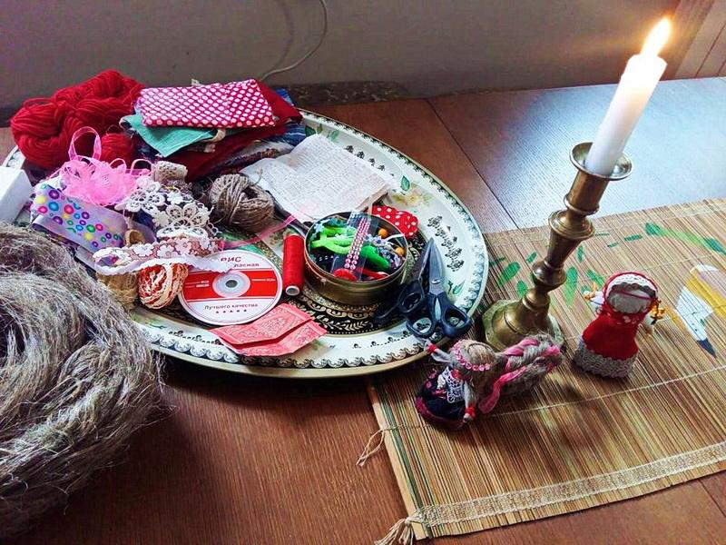 01-галерея-кастуся-качана-новогрудок-наваградак-мастер-класс-афиша-кукла-оберег-счастье-4